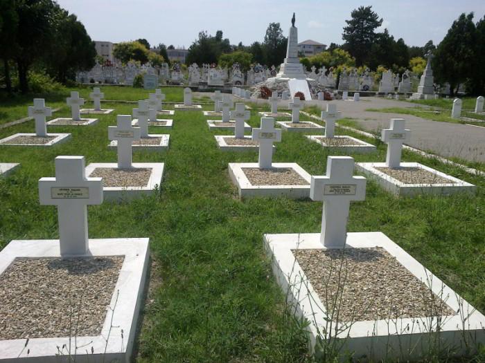 Cimitirul soldaților francezi uciși de holeră și bandele de tâlhari bulgari